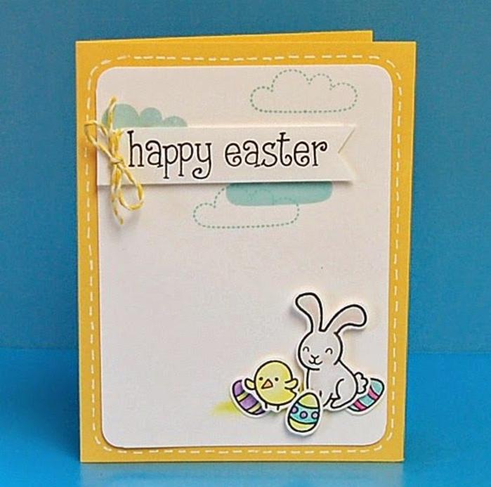 carte de voeux, joyeuses paques, lapin de paques, poussin, oeuf de paques en papier, nuages, carte jaune
