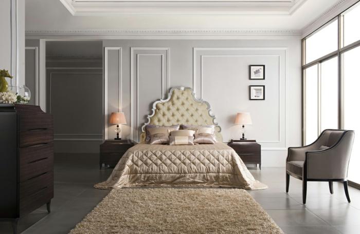 meubles de charme, plafond foncé, tapis moelleux, lit baroque, grande fenêtre, deco baroque