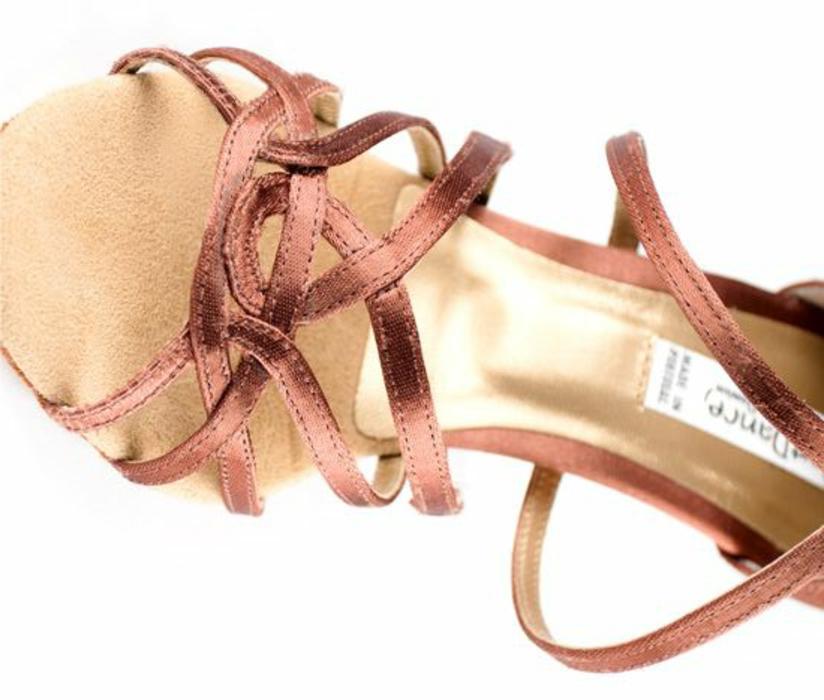 chaussure de danse détail sur la partie devant arabesque finesse et style
