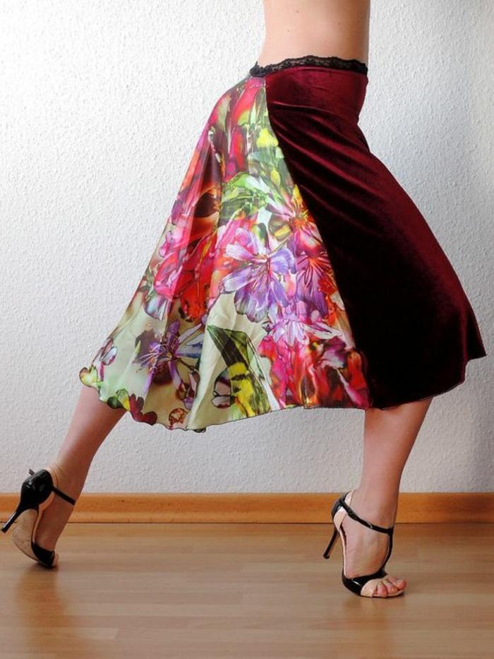 chaussures danse femme en noir et rose pour danser le tango et les danses sociales latino