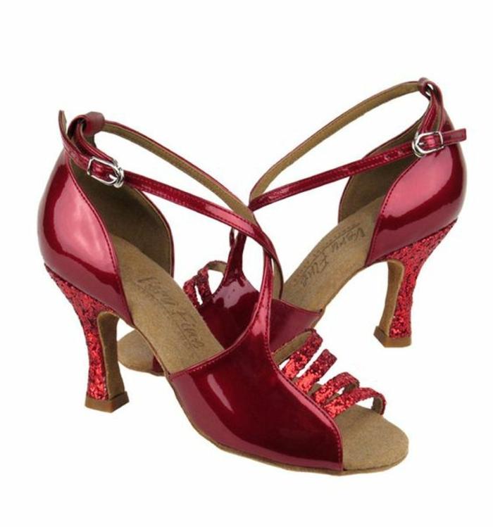 chaussures danse femme bourgoundi talon en paillettes et fermeture de type rétro