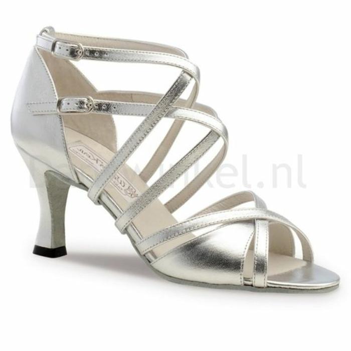 chaussures de danse argent finition brillante aux talons médiums