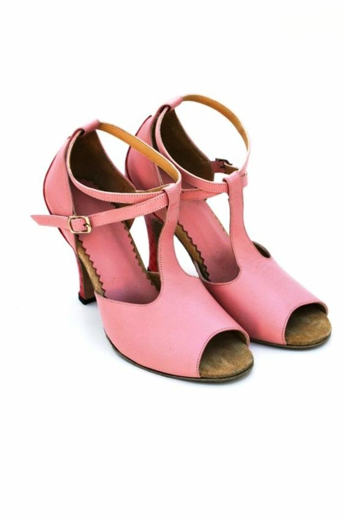 chaussures danse femme en rose pastel pour celles qui aiment le tango