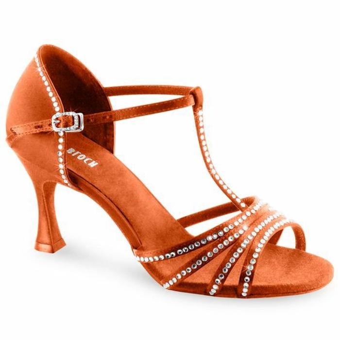 chaussures danse couleur bronze raffinées aux talons médium