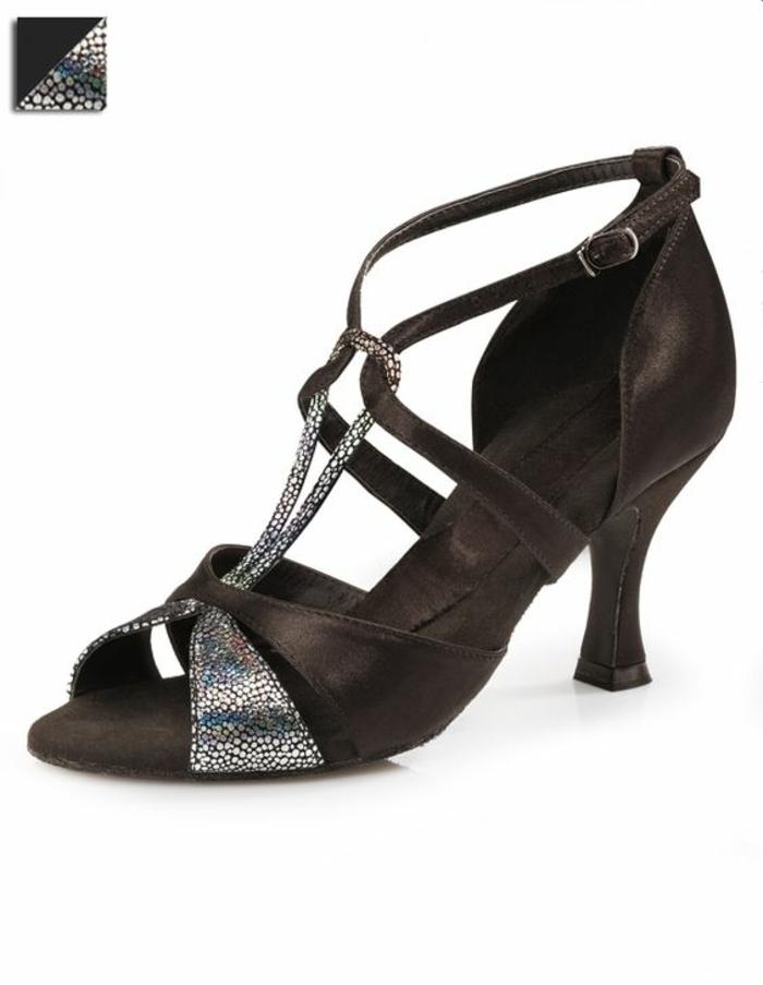 chaussures danses Capezio bicolores motif noeud bicolore devant sublimant le pied