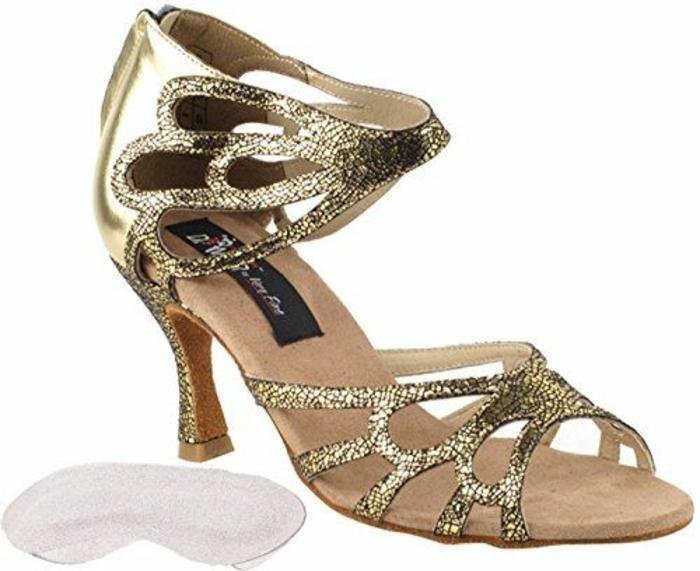 chaussures de dance salon femme pour les danses sociales avec des motifs ailes sur la cheville