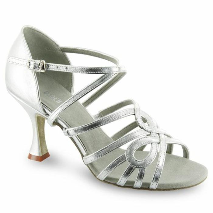 chaussures danse argent bandes fines entrelacées talon médium