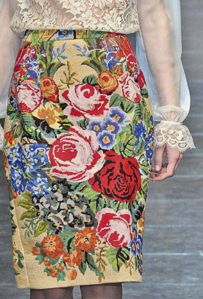 chemisier dentelle Dolce & Gabbana poignets sublimés