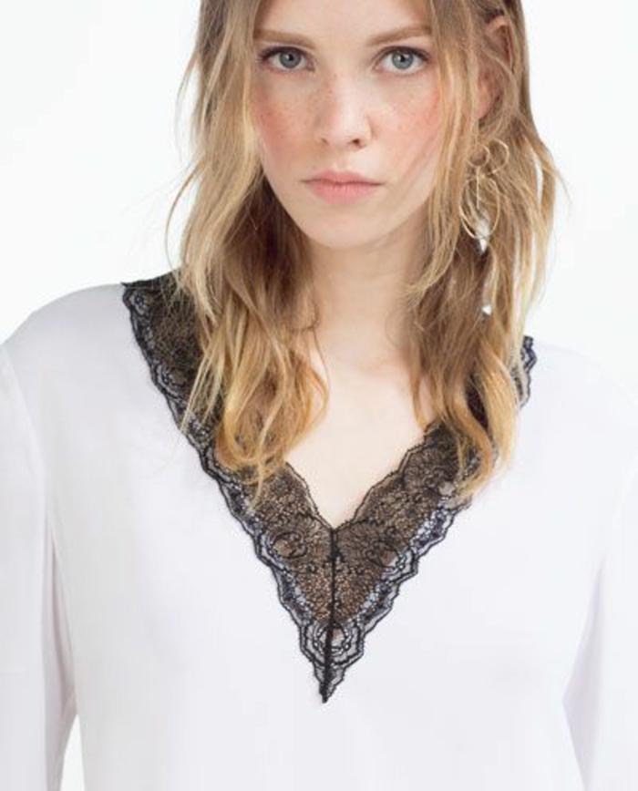 chemise femme avec dentelle en noir et blanc, avec le col en V allure féminine
