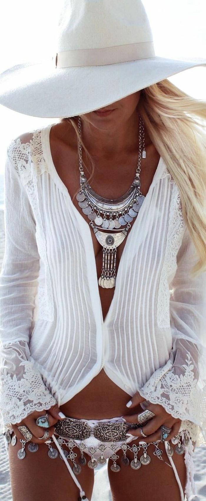 chemisier dentelle femme pour l'été aux manches évasées en dentelle transparente épaules sublimées