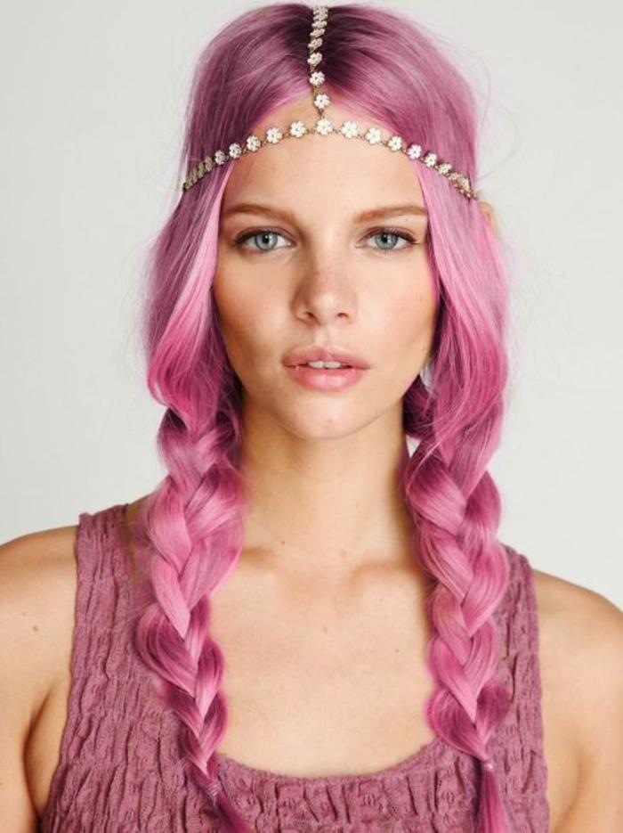 pastel pour cheveux, robe rose, accessoire pour cheveux à motifs floraux, cheveux violet rose