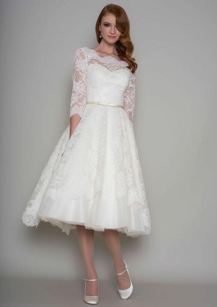 élégante robe de mariée courte dentelle, robe évasée au style rétro