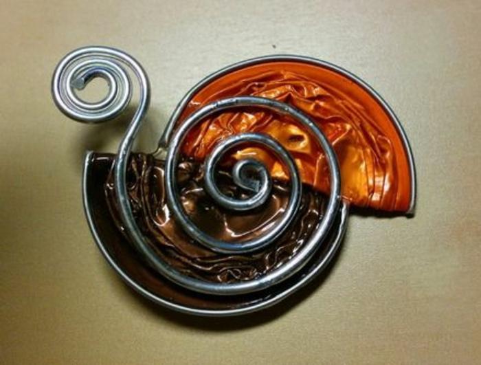 collier capsule, pendentif en métal et capsules nespresso