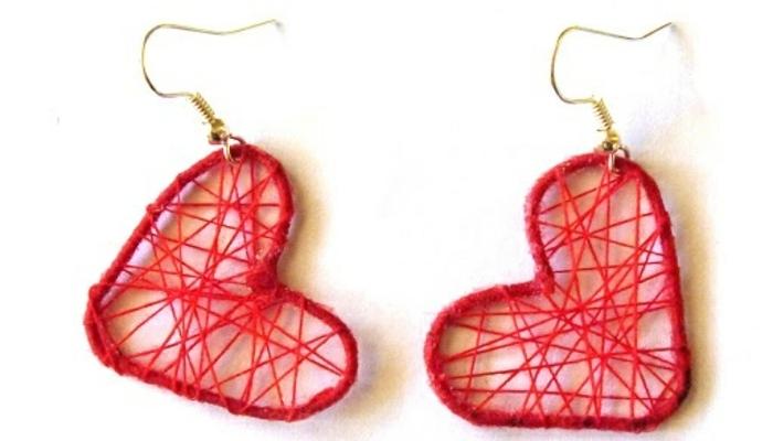 boucles d'oreilles diy rouges en fil de coton et trombones