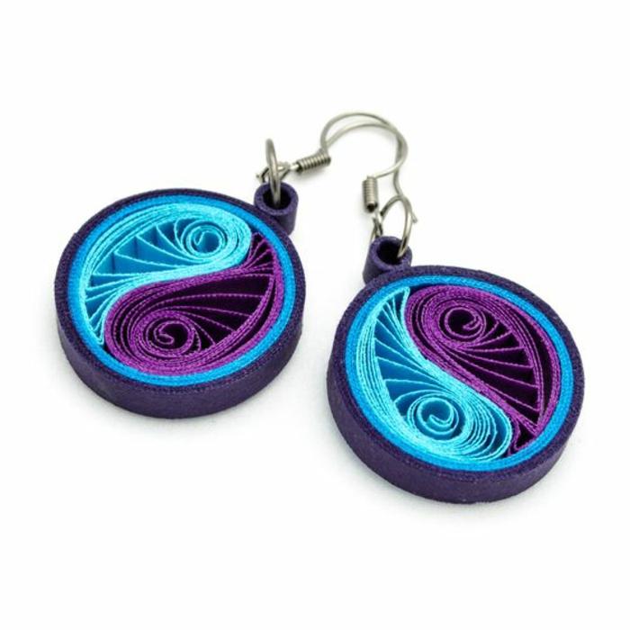 comment faire des boucles d'oreilles, jolies pendentifs en lilas et bleu