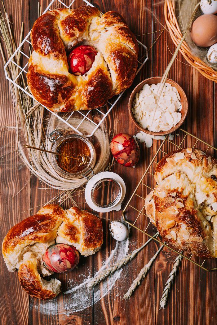 comment faire une brioche pour dessert de paques original, gateau de paques italien avec des oeufs