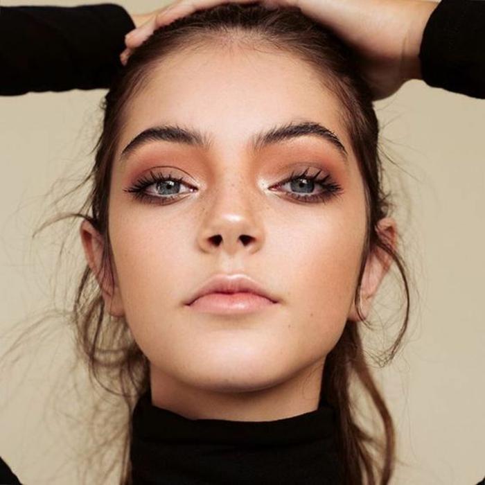 maquillage léger pour un look romantique, quel fard à paupière pour un effet nude