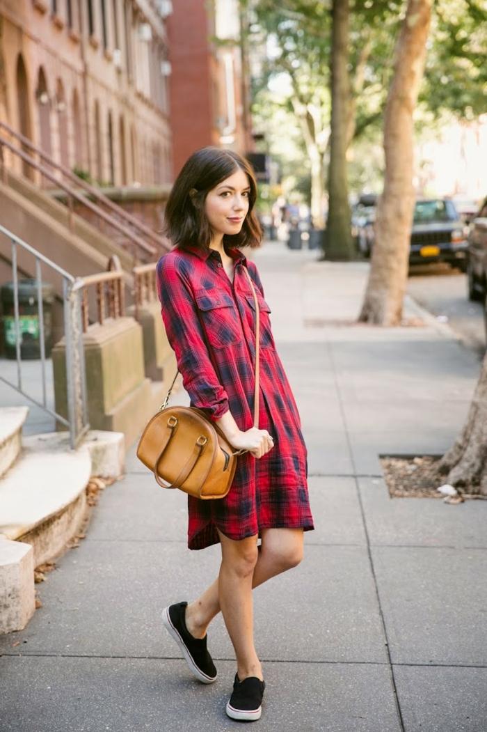 S habiller femme idée pour s habiller robe carreaux rouge et bleu