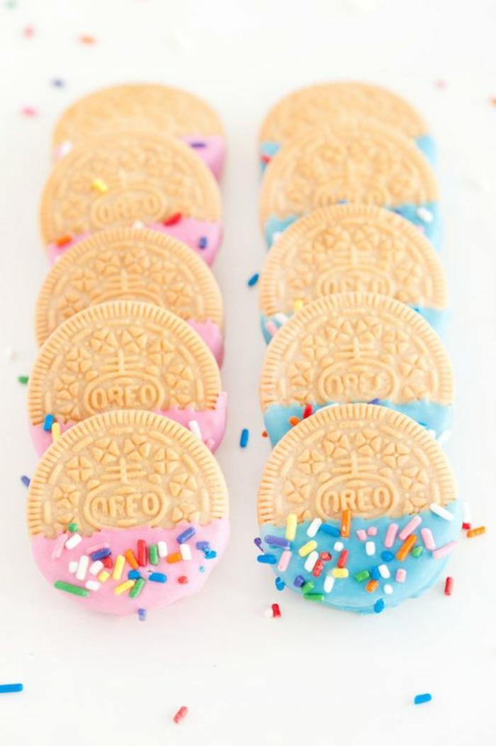 idées gourmandes pour une baby shower fille ou garçon, des biscuits oreo personnalisés