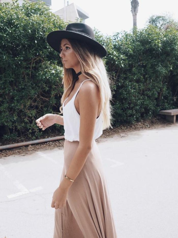 Idée comment bien s habiller femme jolie jupe longue