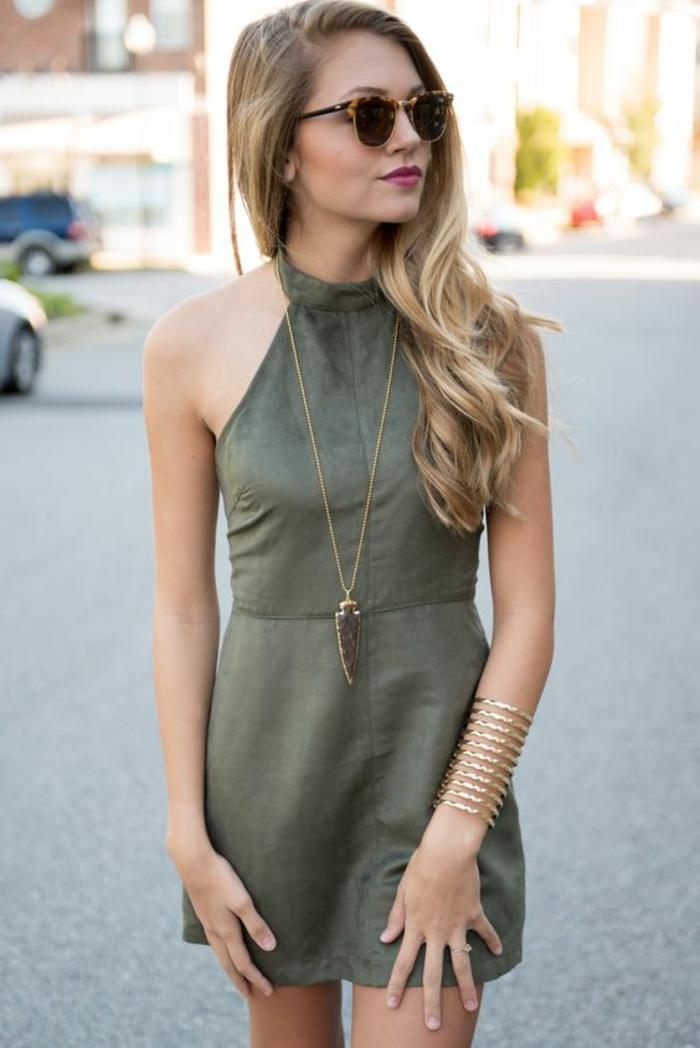 Comment s habiller au printemps idée pour les femmes bien habillées robe velours vert olive