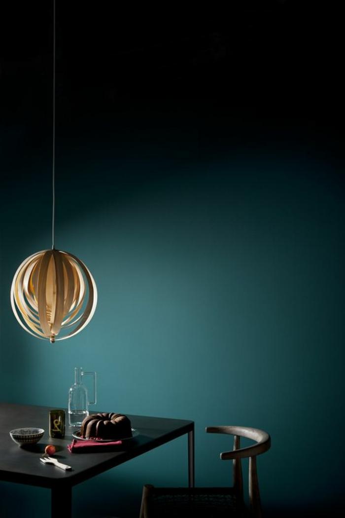 couleur canard, lampe pendante contemporaine et table rectangulaire