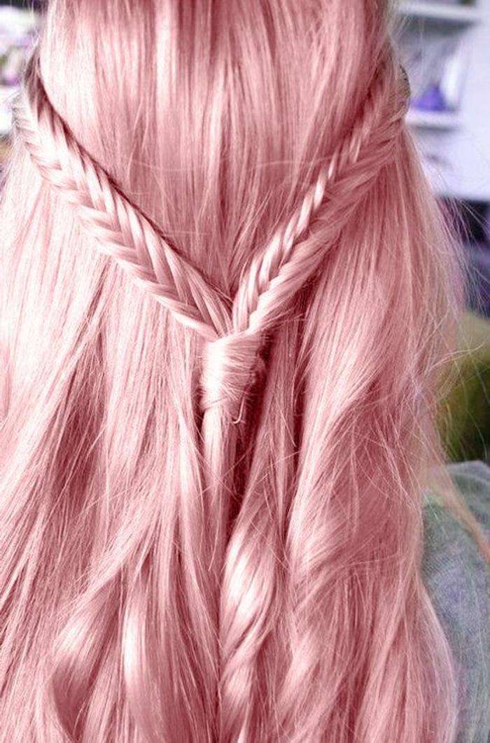 pastel pour cheveux, coiffure avec tresses, coloration cheveux rose pastel