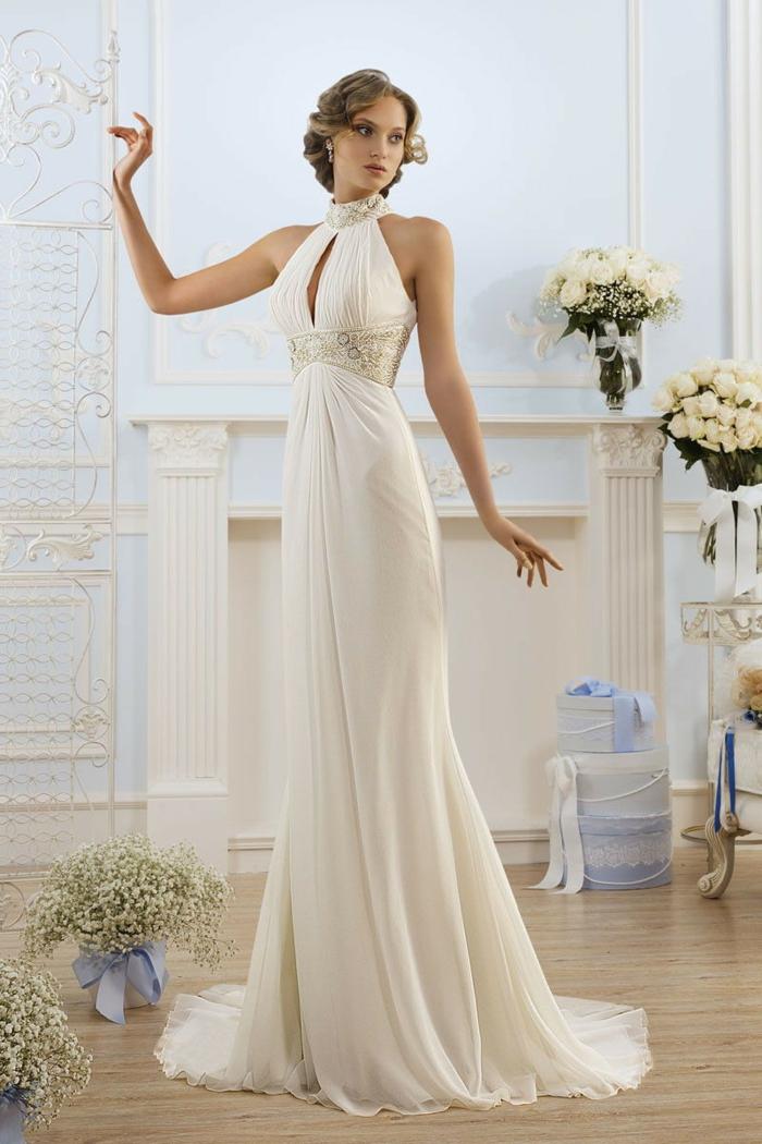 robe grecque antique, couleur écru, col en dentelle, robe à quilles
