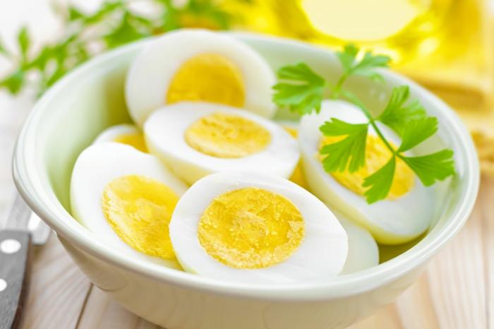 manger des oeufs cuits, aliment riche en protéines, coupe faim puissant, petit déjeuner sain et rassasisant, que grignoter sans grossir