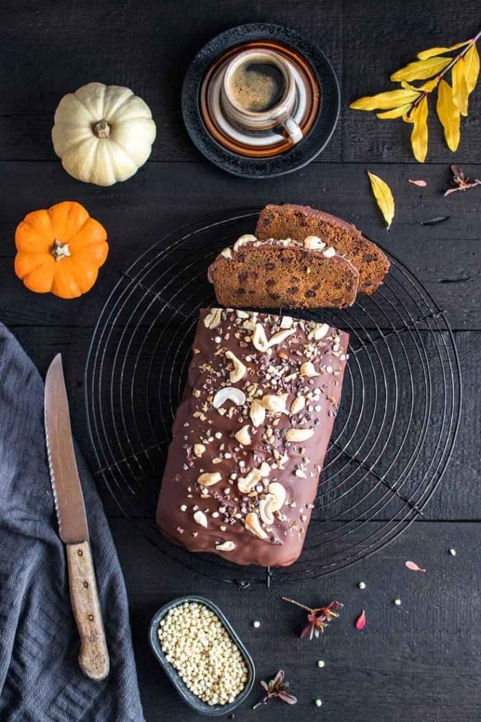 astuces pâtisserie comment remplacer les oeufs, idée dessert sans oeuf au chocolat aux noix, dessert facile à servir avec le café