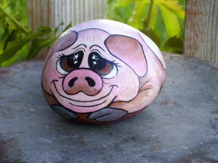 dessin sur galet, cochon sur galet dessiné