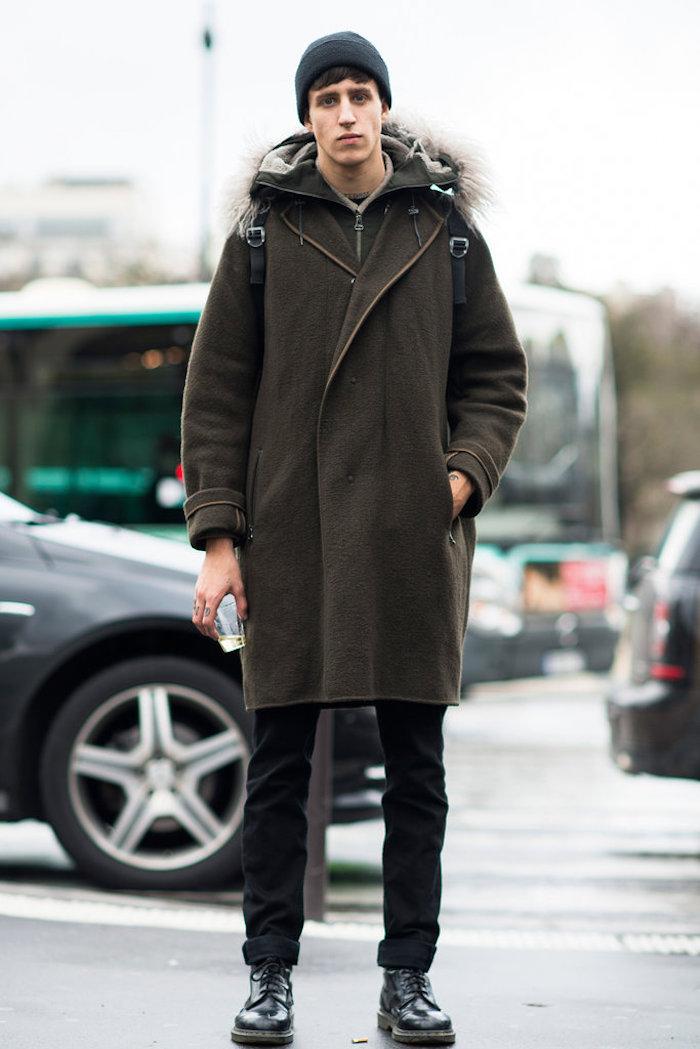 hipster avec manteau en laine et doc martens pascal