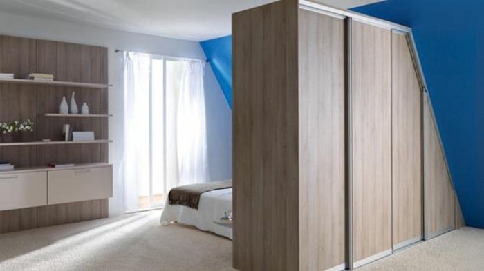 idée comment aménager un dressing sous pente, idée de meuble sous comble, cloison séparatrice, matque schmidt
