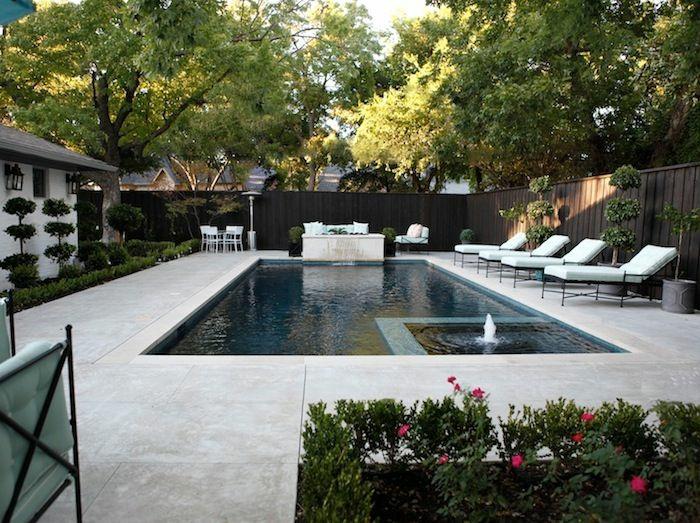 entourage piscine en béton pour un aspect contemporain et pratique