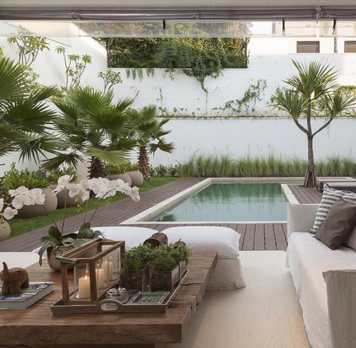 tendance plage de piscine bois composite, un salon de jardin à déco naturelle