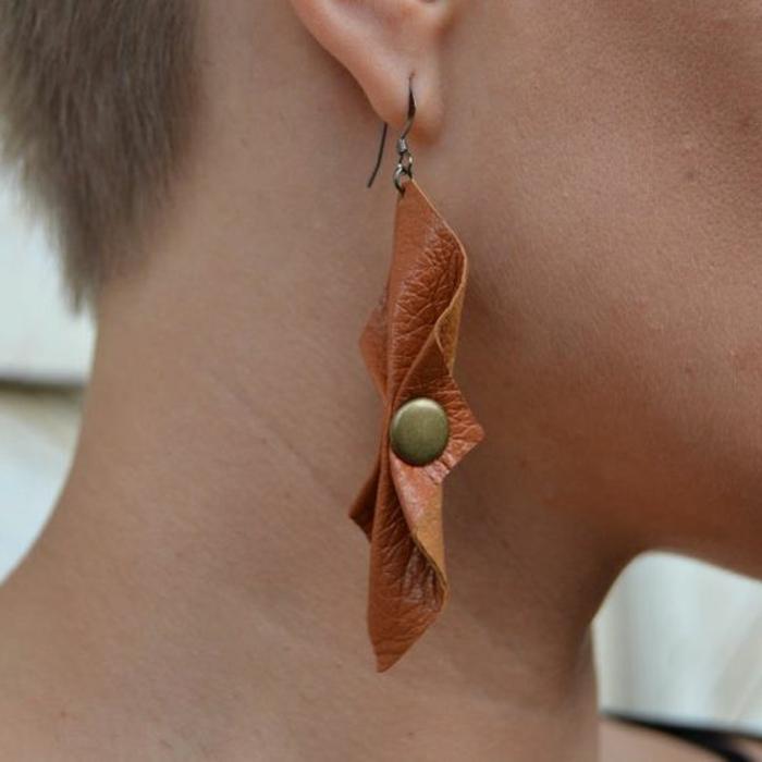 fabriquer ses boucles d'oreilles en cuir et clipses