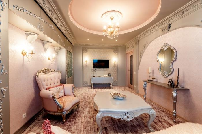décoration baroque, plafond suspendu, lustre en cristaux, meubles de charme, table basse