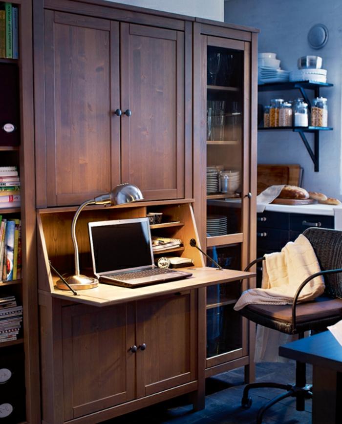 home staging, meubles compactes et multifonctions, chaise de bureau, bibliothèque en bois