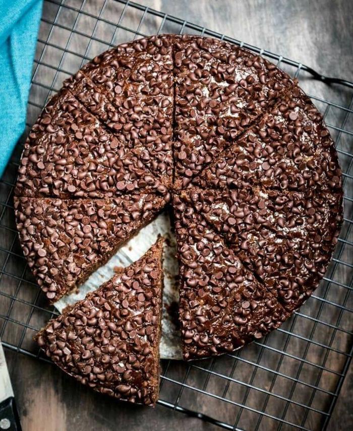 comment remplacer les oeufs dans un gâteau, idée recette sucrée sans oeufs au chocolat noix et café, gâteau au chocolat végétalien
