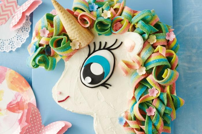 délicieux gâteau anniversaire fille le gateau d anniversaire facile à faire chevelure bonbons