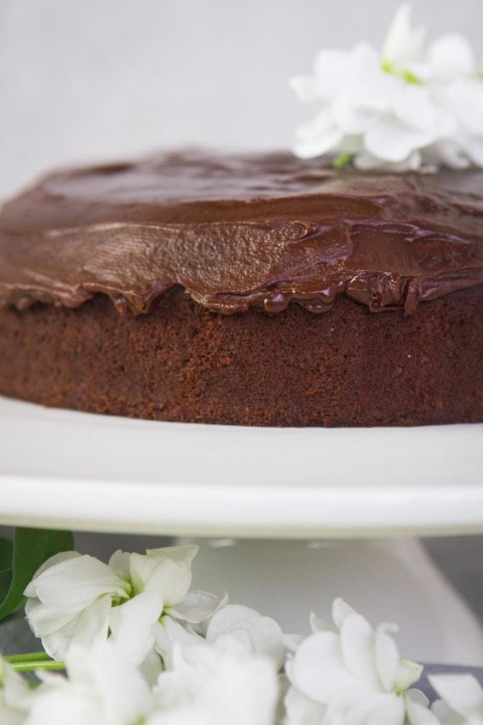 exemple de dessert sans oeuf au chocolat, idée comment remplacer les oeufs dans une recette sucrée au chocolat