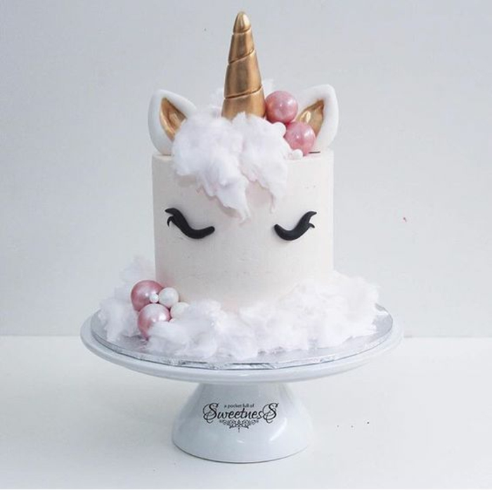 Deco gateau licorne for Decoration gateau licorne