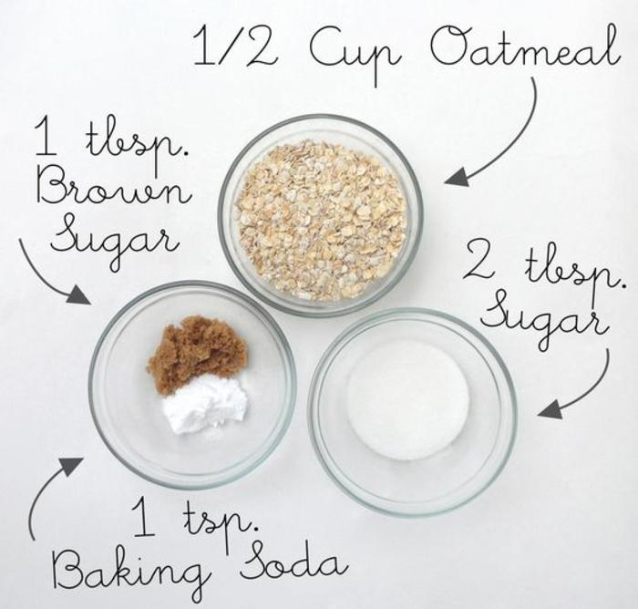 recette de base pour un gommage naturel à trois ingrédients, un gommage aux flocons d'avoine