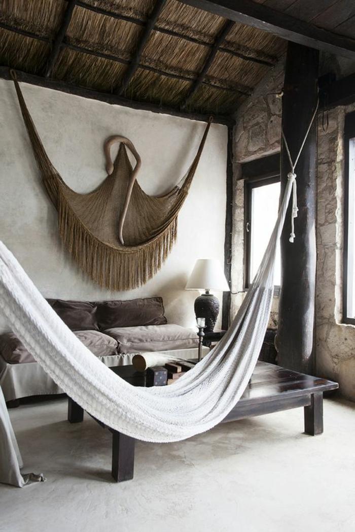 hamac suspendu blanc, salon style rustique, décoration murale
