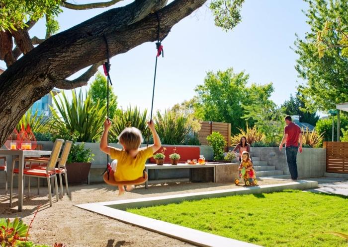 formation home staging, reconstruire l'espace ouvert, balançoire arbre, salon de jardin en bois