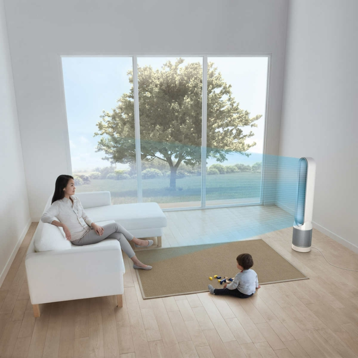 home staging expert, canapé d'angle en blanc, parquet stratifié, purificateur de l'air, garçon, jouets, tapis beige