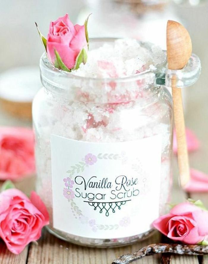 idée de cadeau pour des occasions spéciales, gommage naturel savoureux à la rose et à la vanille