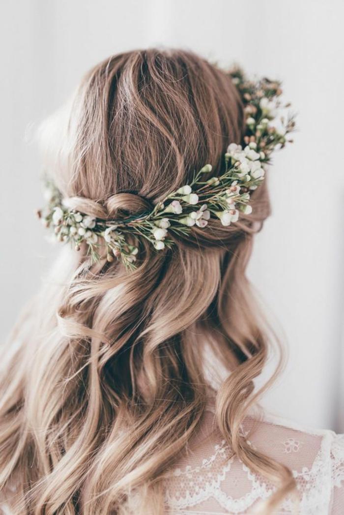 Magnifique coiffure boheme chic coiffure simple a faire mariage