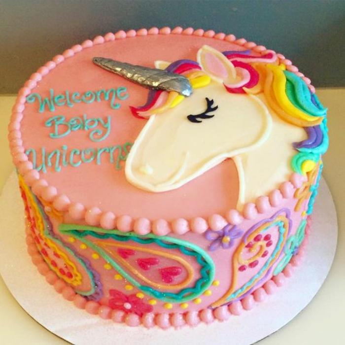 gâteau anniversaire thématique licorne ma licorne magique rose