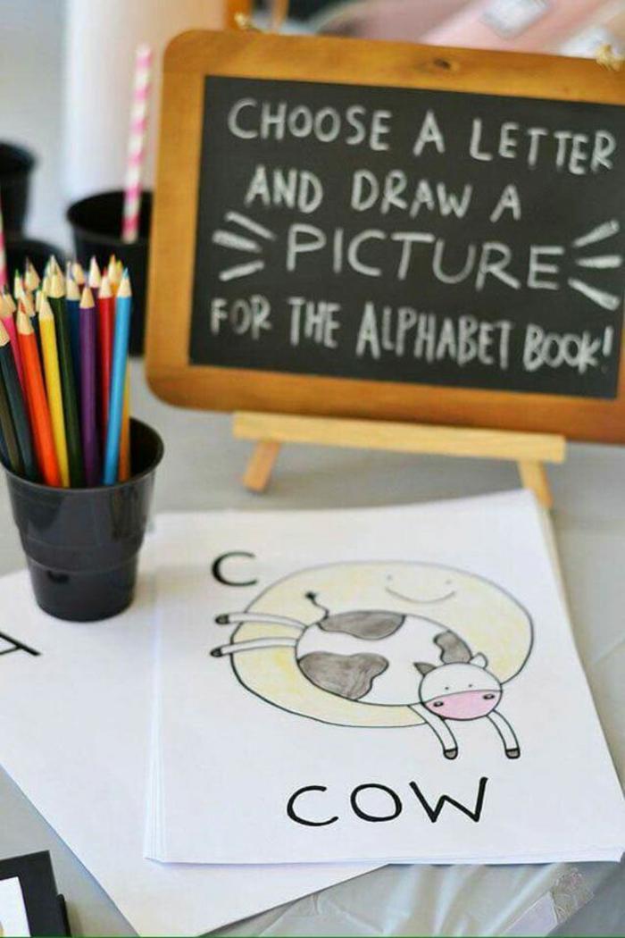 des activités et jeux baby shower, créer un premier livre d'alphabet
